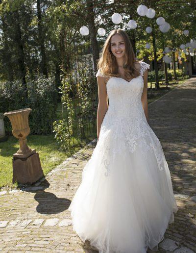 Mo curv brides